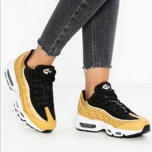 NIKE Air Max 95 Wheat Gold LX Sneakers
